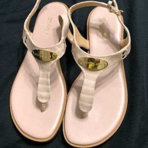 Very lightly used Michael Kors sandals so 6M